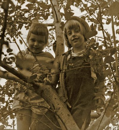 Kathe and Sandy in Tree 6